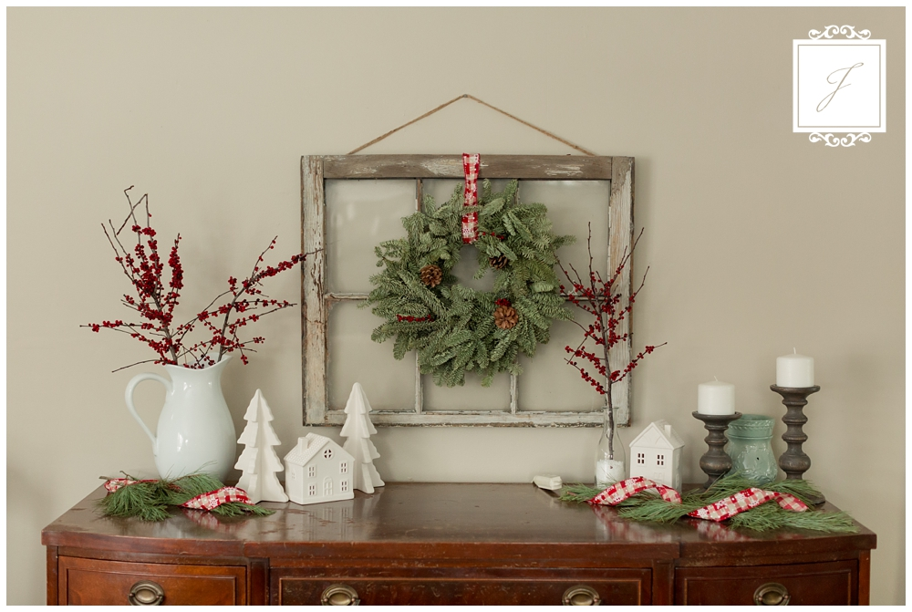 Cottage Christmas Decor Greensburg Wedding Planner Joy Filled Occasions_0003.jpg